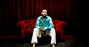 4 موسيقيين عرب يصنعون الموسيقى من السماء